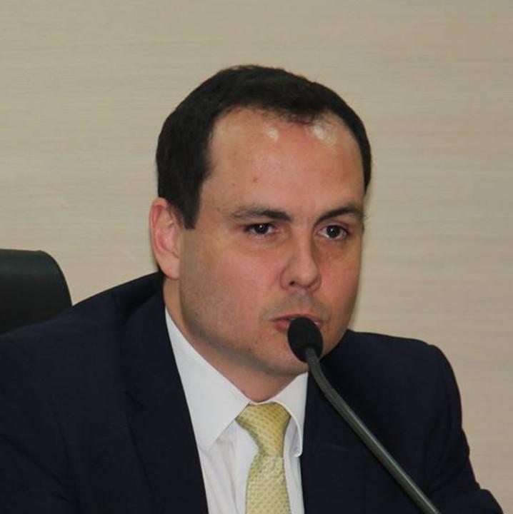 Gonzalo Lopez.