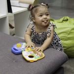 Bebê com síndrome de Down de 18 a 24 meses.