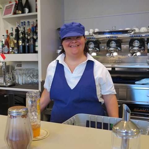 Funcionários do Milleluci Café têm síndrome de Down
