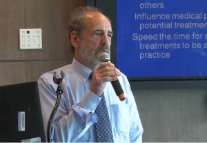 Norman Schwartz é médico especializado em Medicina Funcional Integrativa. Foto: reprodução de vídeo.